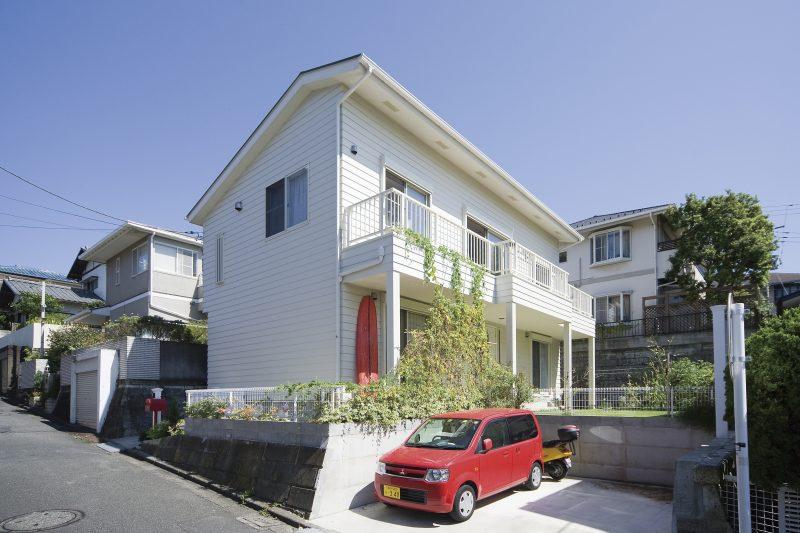 日本のサーファーズハウスにもよく使われる屋根材
